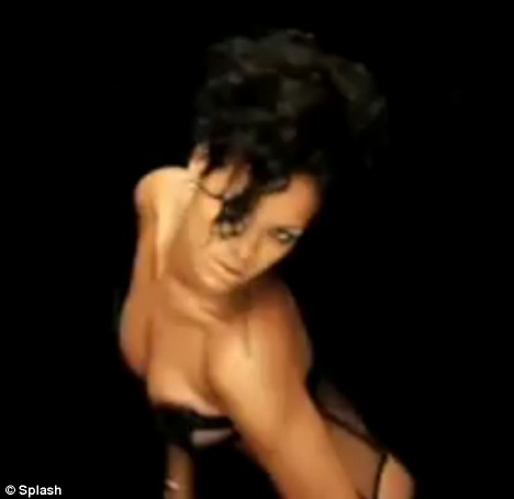 rihanna in kanye video